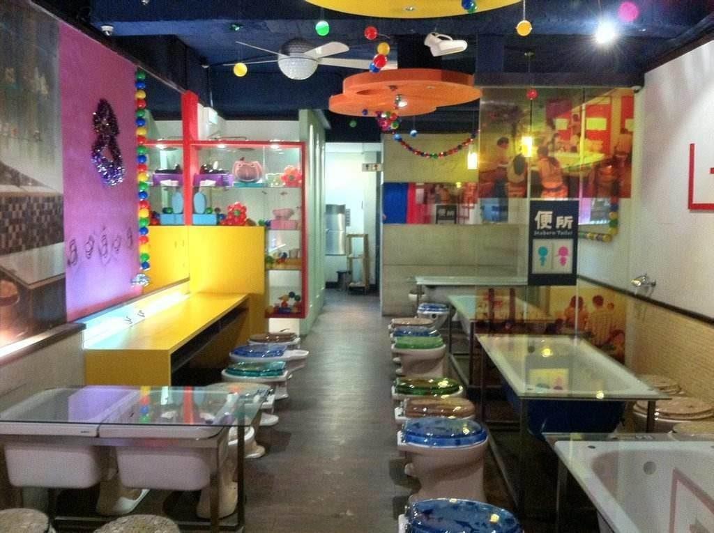 """Ximending """"Modern Toilet"""" restaurant"""
